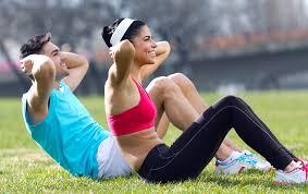 Mieux vaut faire de l'exercice en alternant des exercices de haute et de basse intensité: c'est le meilleur moyen de brûler les graisses.